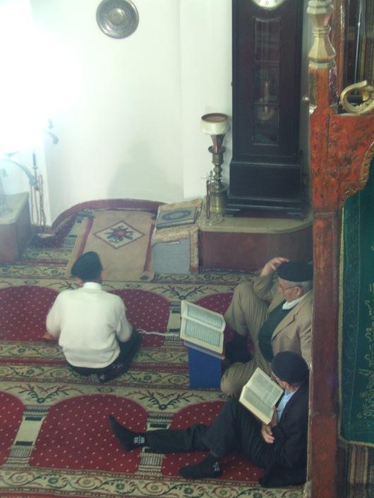 מוסלמים במסגד